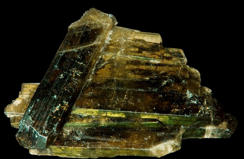 Камень эпидот