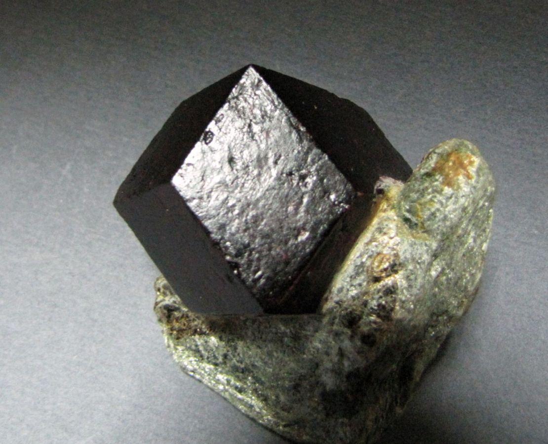 Магические и целебные свойства актинолита