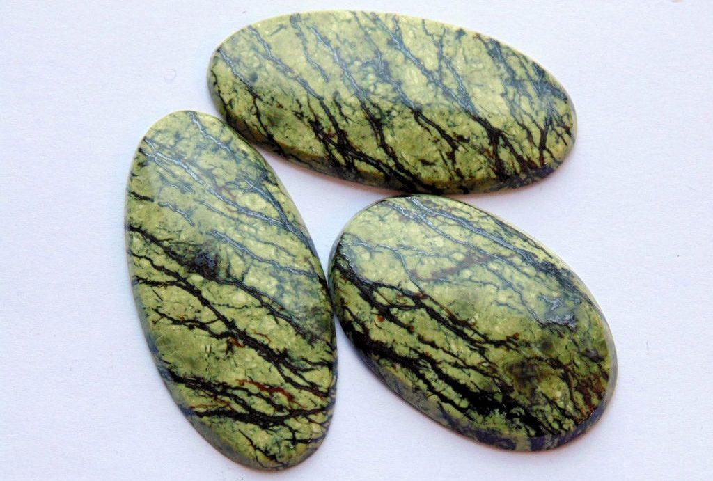 Змеиный камень серпентин