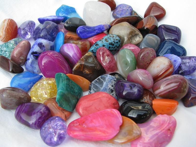 Счастливые камни по имени для женщин