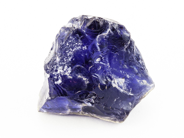 Удивительный камень иолит