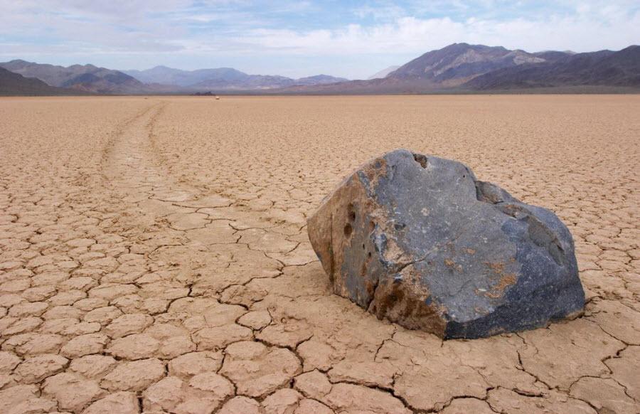 Загадка движущихся камней Долины Смерти
